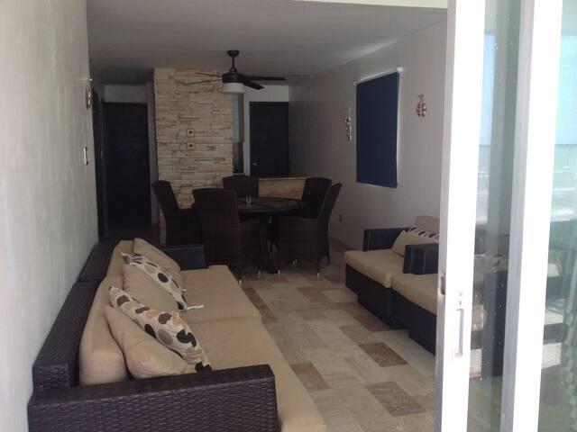 Departamento a orilla de la playa - Progreso - Appartement
