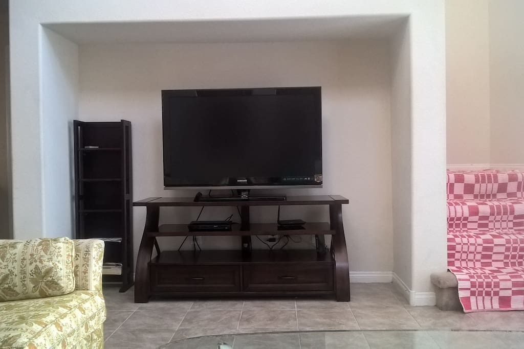 TV and Blu ray player with free Netflix  and Amazon Prime Video