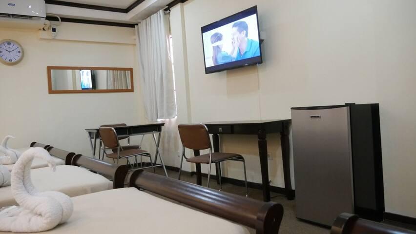 Group Room Non-Smoking - Makati - Bed & Breakfast