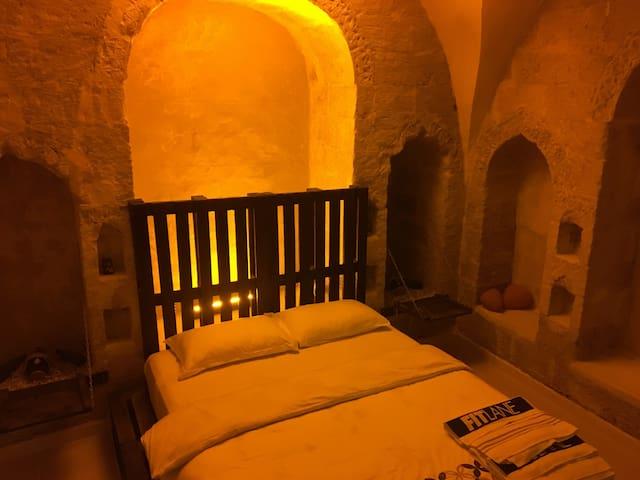 ESKİ MARDİN'DE TARİHİ HOUSE