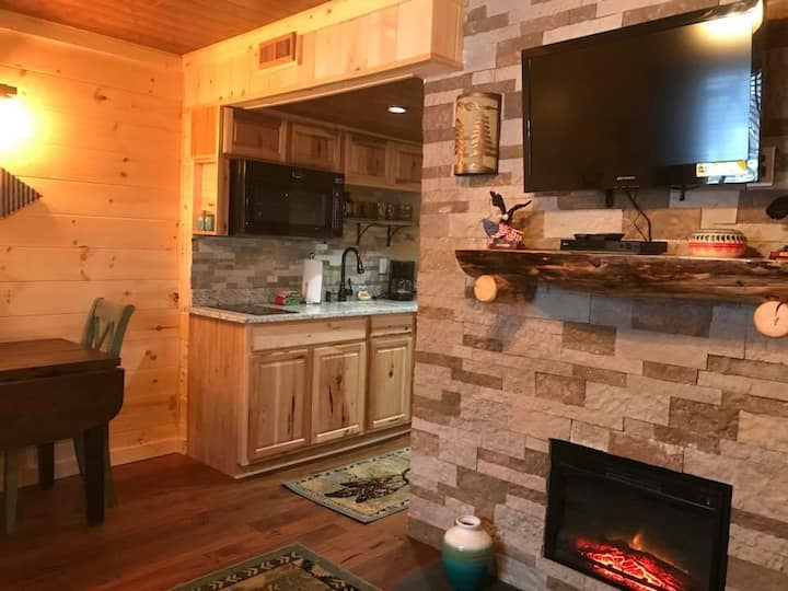 Dream Catcher Downtown Gatlinburg Condo, Sleeps 4