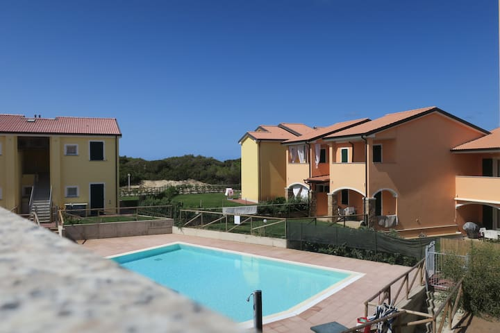 WHITE SWITE HOME fronte mare e piscina