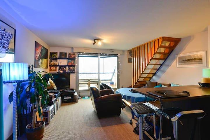 Chambre dans appartement vue sur mer