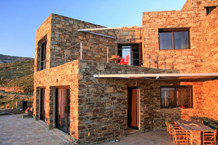 Stone vacation house in Evia for peaceful holidays