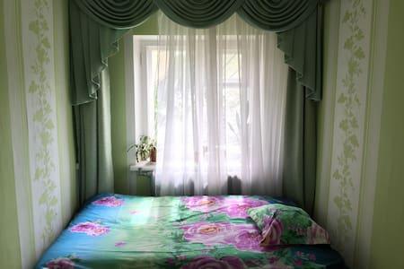 Сдаются две смежные комнаты в 2 м - Plintovka - ที่พักพร้อมอาหารเช้า