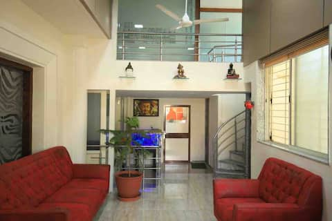 SUMITRA - CODE GIRLS ONLY 2 single beds / Room