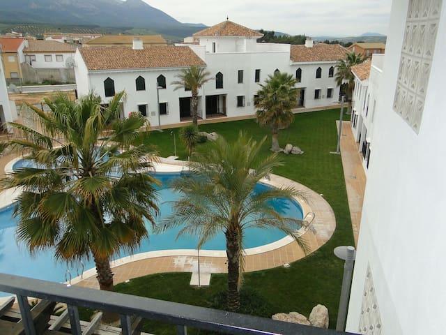 Apartameto con piscina Iznalloz - Granada - Iznalloz - Daire