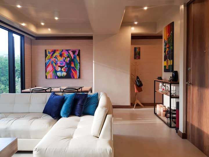 ☆Modern and Stylish Luxe Room in Laureles☆