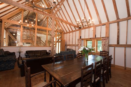 The Thatched Barn - Rumah