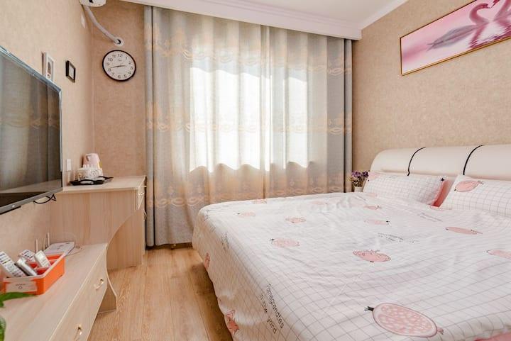 花漾年华~紧临泰山站,拎包入住爬泰山2102两室