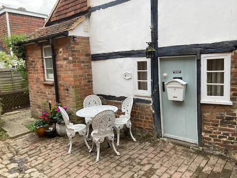 Grade 2 listed cottage on Cranbrook High Street