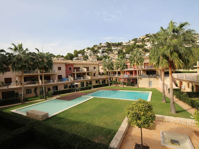 Resort apartment with indoor and outdoor pool - Alicante - Lejlighed