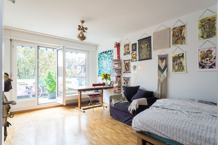 Central Studio w/ Balcony Zurich - Zurych - Apartament