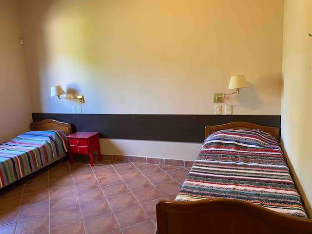 Dormitorio número 3. Dos camas  soltero