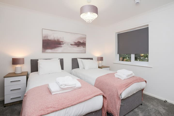 Brook Court - Elegant 2bed Apartment Nottingham
