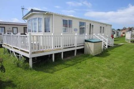Spacious 6 berth static caravan. - West Bay - Muu