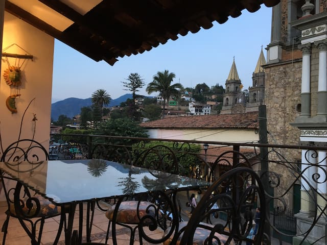 Casa Allende / Terrace with beautiful views - Talpa de Allende - Apartemen