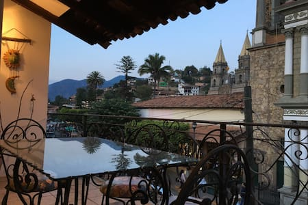Casa Allende / Terrace with beautiful views - Talpa de Allende - Apartamento