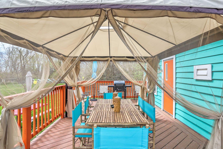 Enjoy the shade under the cabana at this 1-bedroom, 1-bath tropical villa.