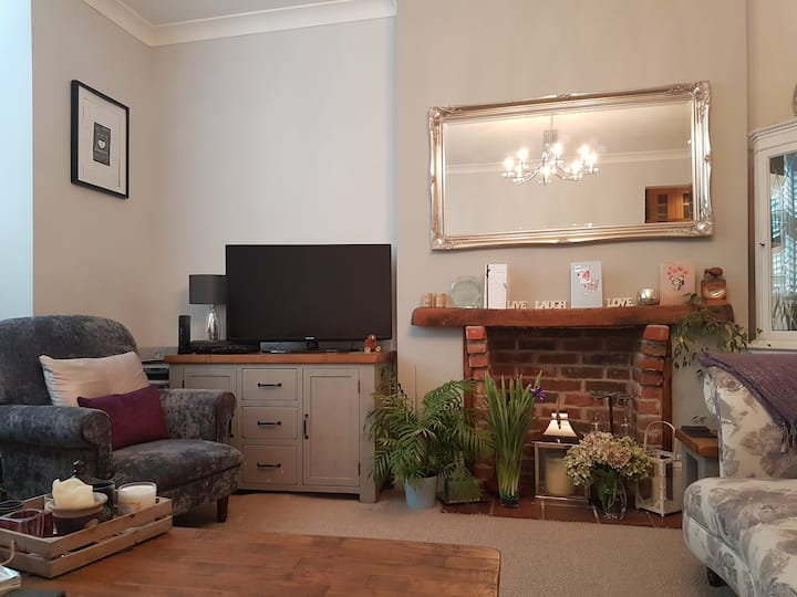 Double Room very close to  Seafront & Victorious