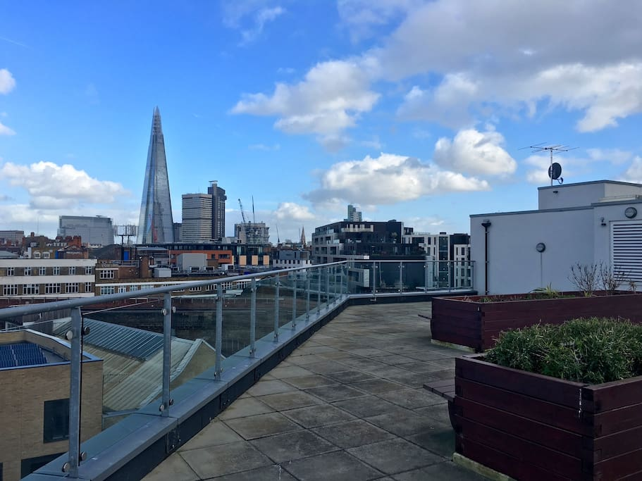 Access to view the stunning City skyline from a private roof terrace and 15 minutes walk from the Shard, the tallest building in London and currently in the European Union