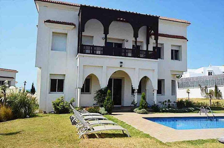 luxury villa with private pool and garden 1500 m2