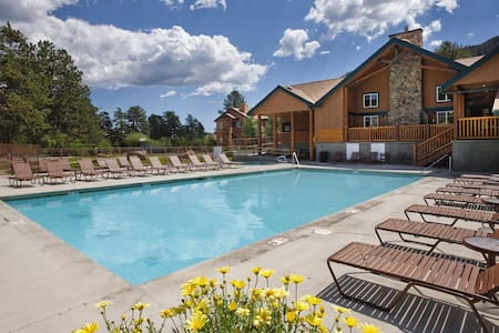 Studio condo in mountain resort - Estes Park
