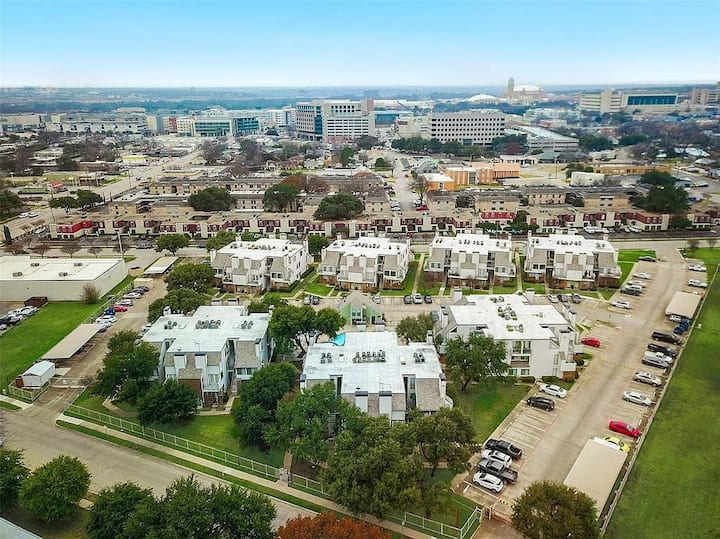 Completely Renovated Corporate Ft. Worth Condo