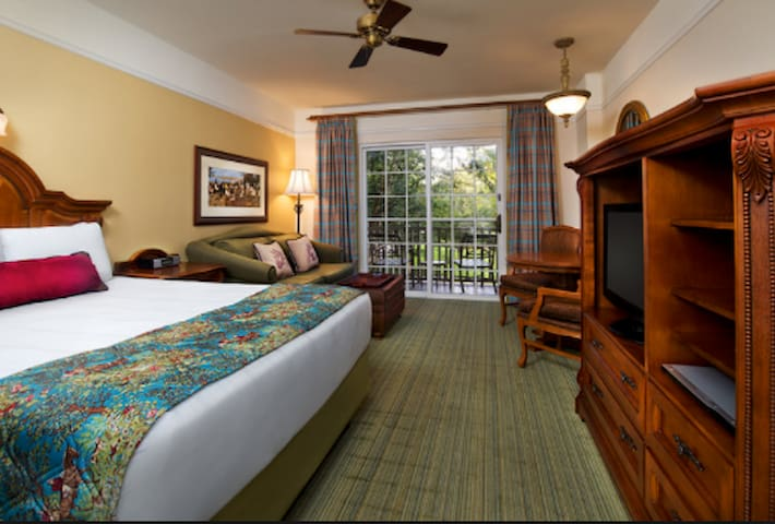 Hotel Disney Saratoga Springs Resort & Spa