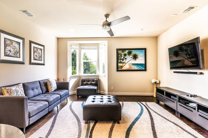 Discount-price 3bd/3br Luxury Townhome