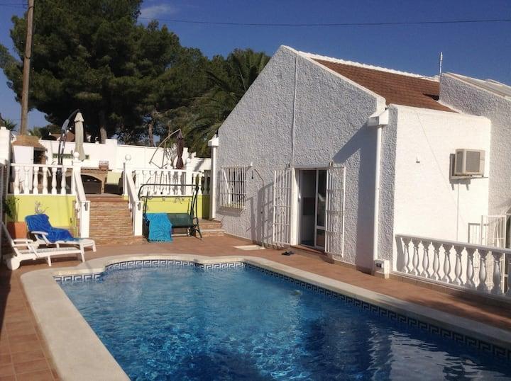 Villa m privat pool, Torrevieja, nära till golf