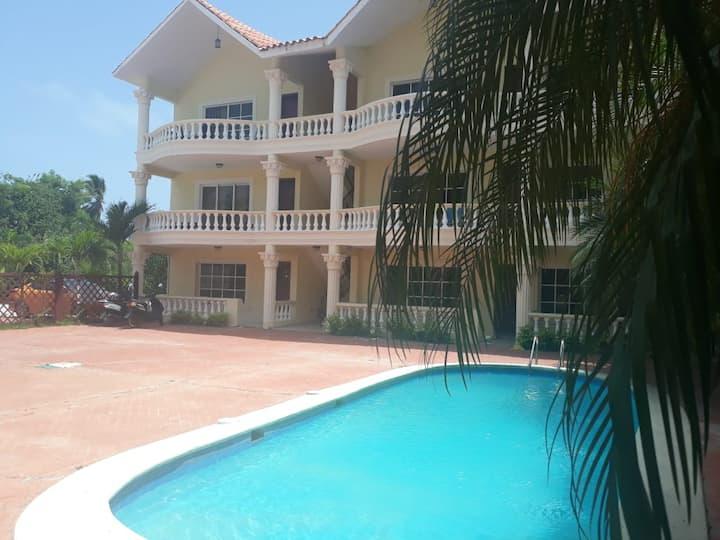 Apartamento a 2 min andando de la playa Bibijagua