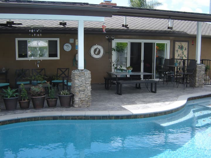 2 Rm, 2 Bed, 2 Baths. Quiet. Private. (2-4 guests)