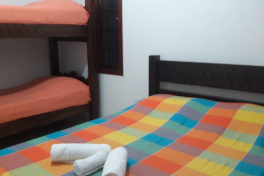Dormitório com ar condicionado