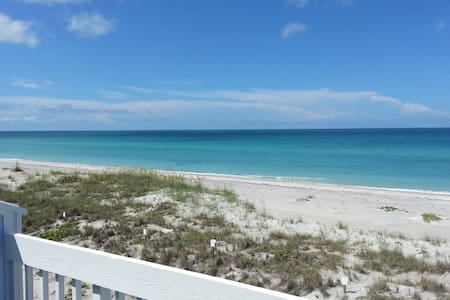Gulf Front Pet Friendly Beach Home! Island Living! - Placida
