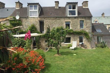 Chambre dans maison de village à proximité du port - Omonville-la-Rogue