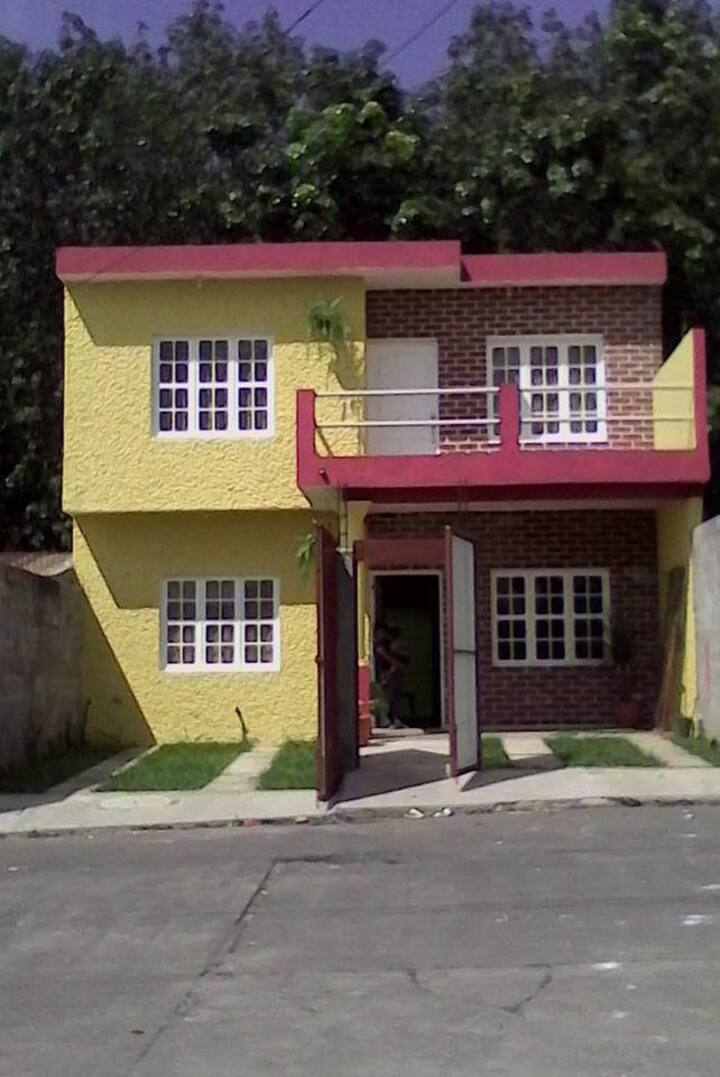 Casa Familiar Beautiful house near IRTRA, Xetulul