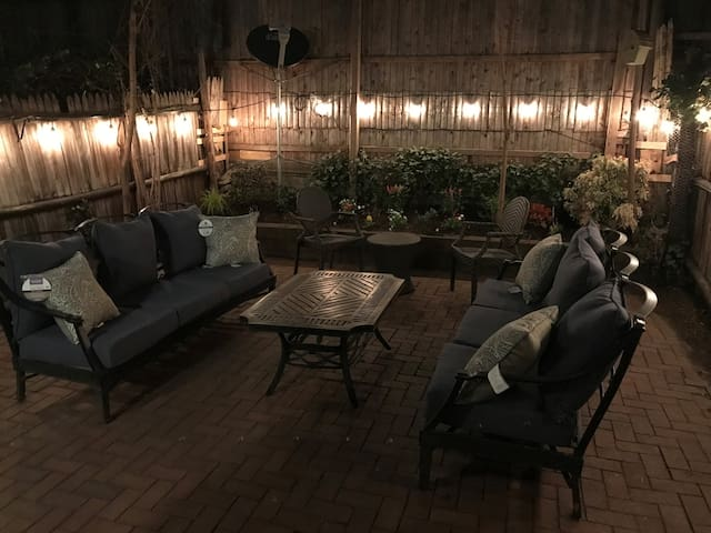 Large UWS Private Bedroom with Outdoor Space