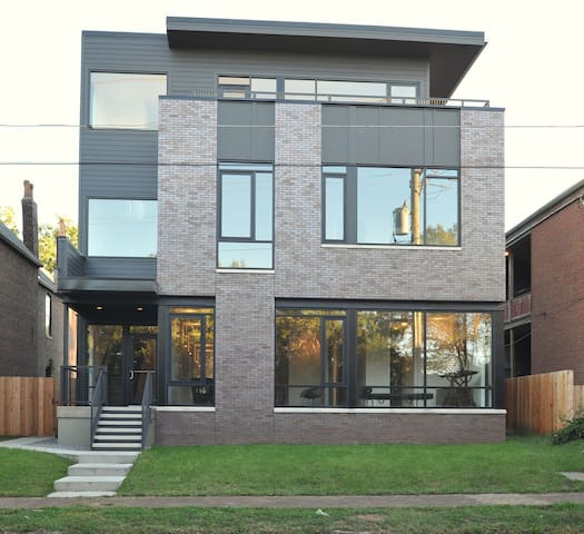 Franklin House NULU | Walkable | Great for groups