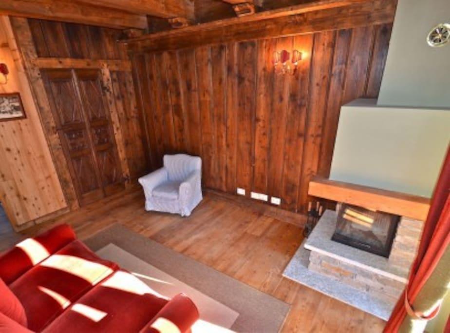 La casa di legno apartments for rent in gressoney saint for Mobili walser