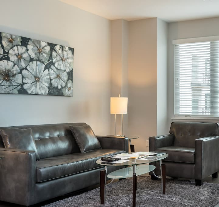 Healthcare Professionals Welcome, CA 2BR