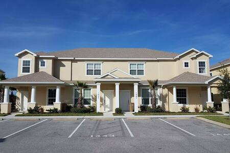 Luxury 3 bed, 3 bath house only 15 mins to Disney - Clermont