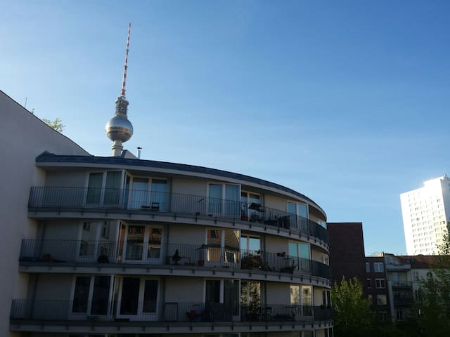 3-ROOM flat Mitte@Hackesche Markt-view to TV Tower - Berlin - Apartment