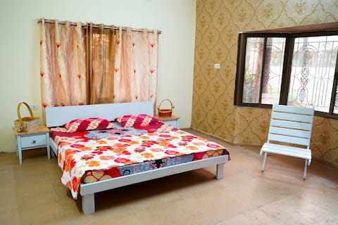 Maulshree 101 (Suite Room)