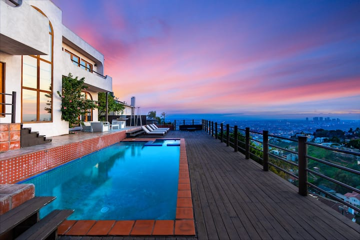 Hollywood Hills Dream Master Suite w/Views & Pool
