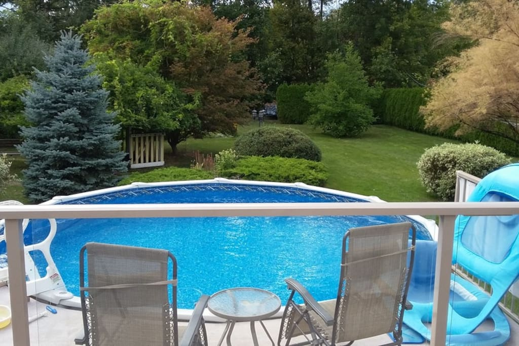 small lower deck to pool