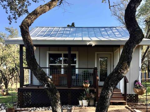Rainwater Cottage - Quiet and Convenient