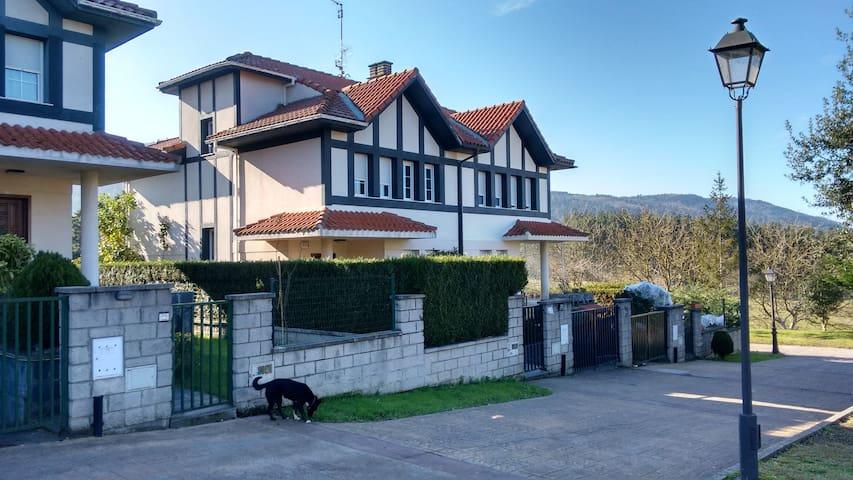 Casa en la naturaleza a 20 min de Bilbao - Gámiz-Fica - Sorház