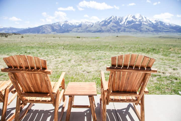 Yellowstone National park basecamp, sleeps 8, family fun!| 3 Bedroom, 2 Bathroom