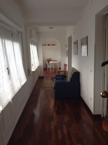 nuovo appartamento in centro paese - Rotonda - Leilighet